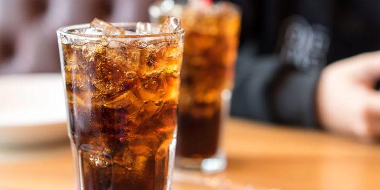 น้ำอัดลม ยี่ห้อไหน คนชอบดื่มมากที่สุด ปี 2020